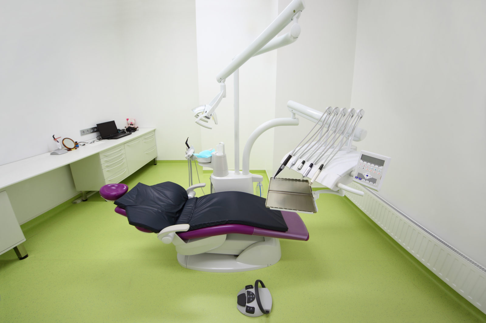 http://www.dreamstime.com/stock-photo-empty-dental-clinic-chair-patient-image26337650
